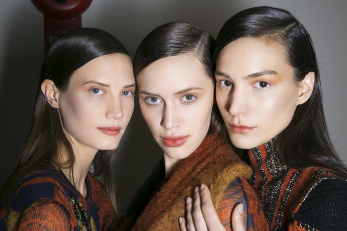 минимализм в макияже век