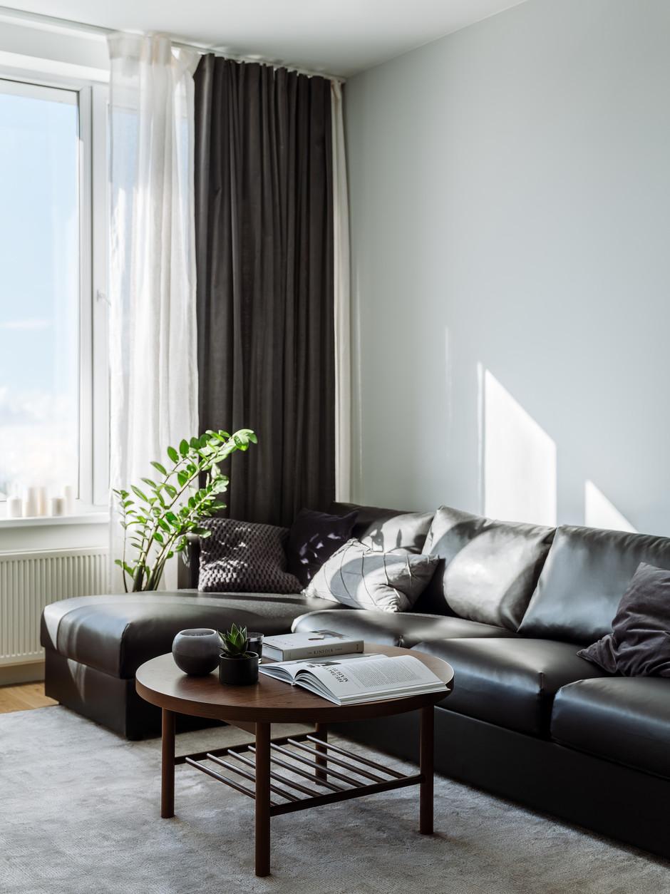 Большие диваны в гостиной (галерея 0, фото 3)