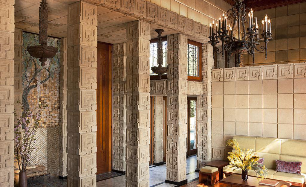 «Дом Эннисов» Фрэнка Ллойда Райта выставлен на продажу (галерея 7, фото 2)