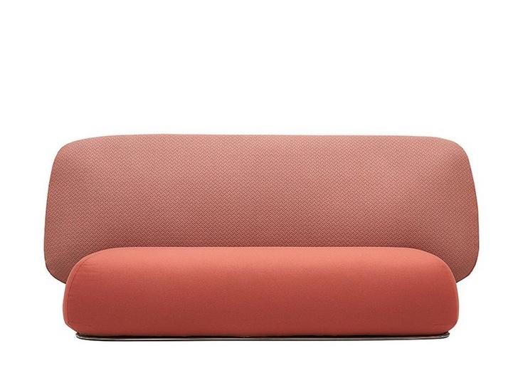 Топ-10: диваны с высокой спинкой (фото 6)