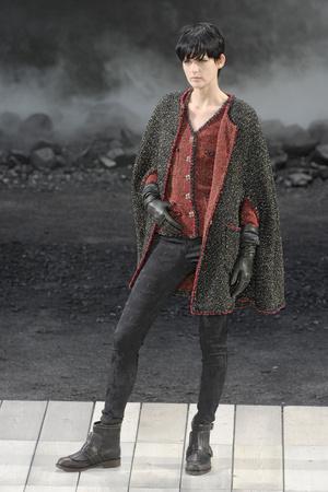 Показ  коллекции сезона Осень-зима 2011-2012 года prêt-à-porter - www.elle.ru - Подиум - фото 255368