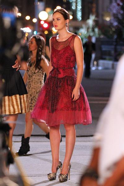 Лейтон Мистер в платье Red Valentino