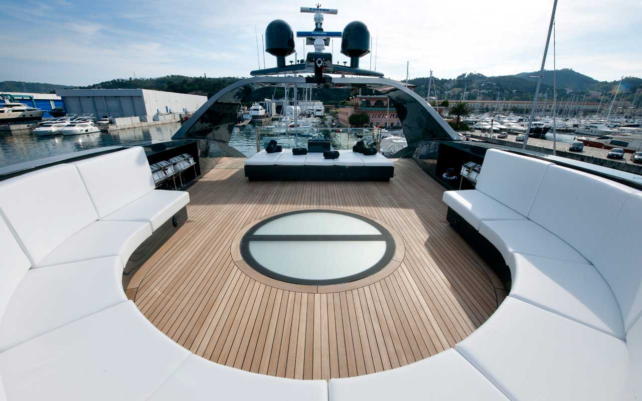 Морская прогулка: парусники и яхты от известных дизайнеров | галерея [4] фото [2]
