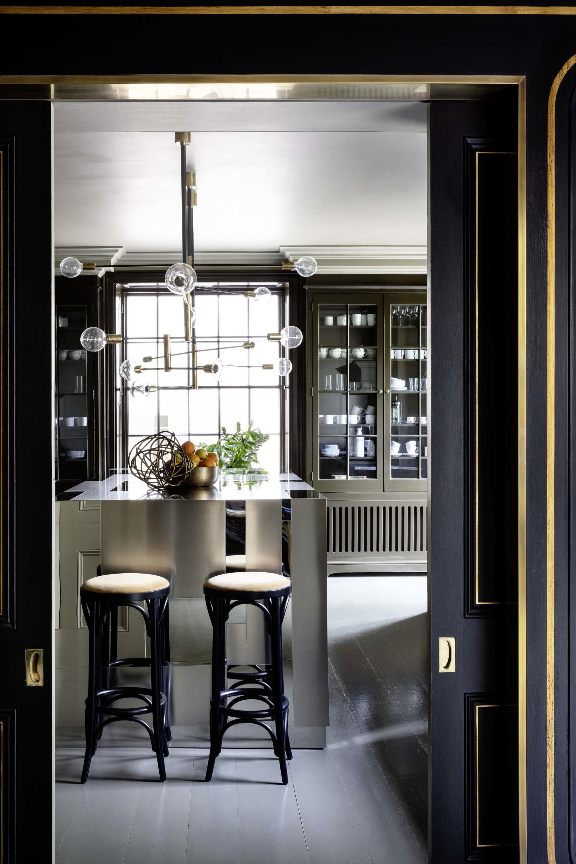 Кухня с блестящими фасадами: 15 примеров (галерея 0, фото 0)