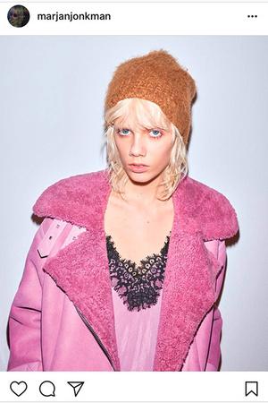 Beauty-тренд: платиновый блонд с ультракороткой стрижкой фото [5]