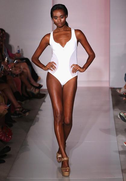 50 самых сексуальных купальников с Недели пляжной моды в Майами | галерея [1] фото [1]