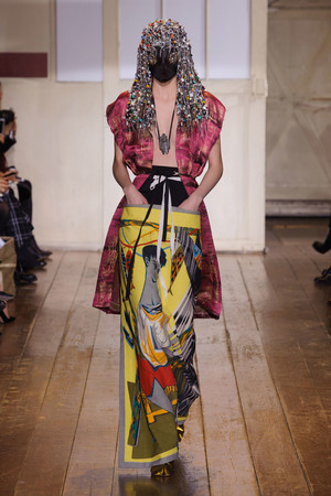 Показ Maison Martin Margiela коллекции сезона Весна-лето 2014 года Haute couture - www.elle.ru - Подиум - фото 575098