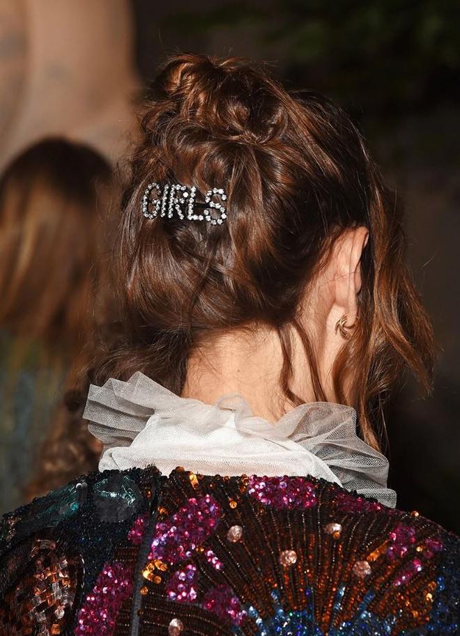 Волосы: главные стрижки, укладки и тренды 2019 года (фото 8)
