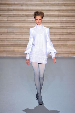 Показ Stephane Rolland коллекции сезона Осень-зима 2009-2010 года Haute couture - www.elle.ru - Подиум - фото 88330
