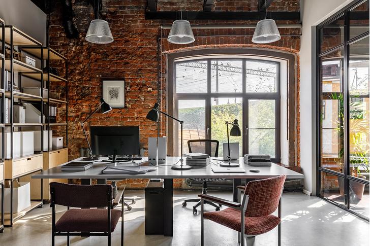 Атмосферный офис дизайн-студии Aiya Design в Москве (фото 0)
