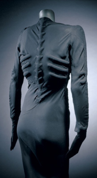 Платье-скелет Эльзы Скьяпарелли, 1938 год