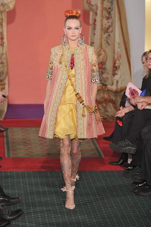 Показ Christian Lacroix коллекции сезона Весна-лето 2009 года haute couture - www.elle.ru - Подиум - фото 86467