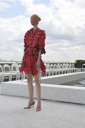 Показ Maison Martin Margiela коллекции сезона Осень-зима 2009-2010 года haute couture - www.elle.ru - Подиум - фото 88127