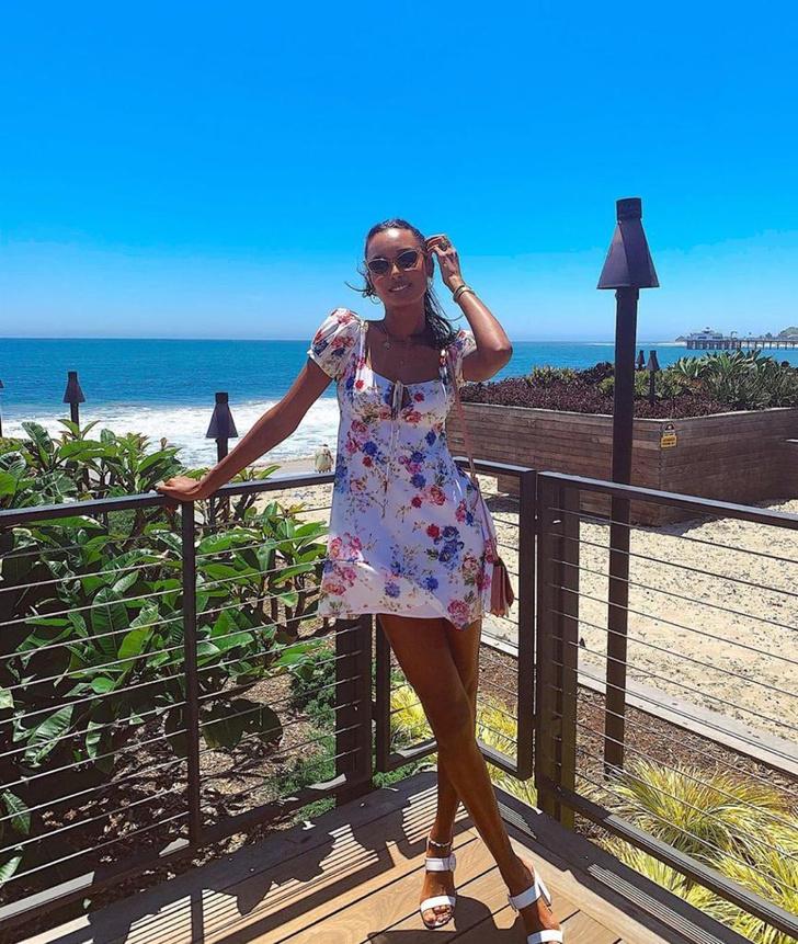 Идеальное летнее платье для отпуска —  берем пример с Жасмин Тукс (фото 1)