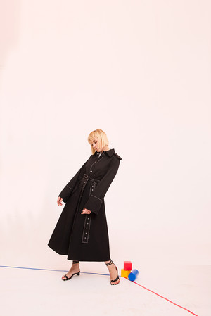 Как носить вещи из подиумной коллекции H&M Studio SS18? (фото 13)