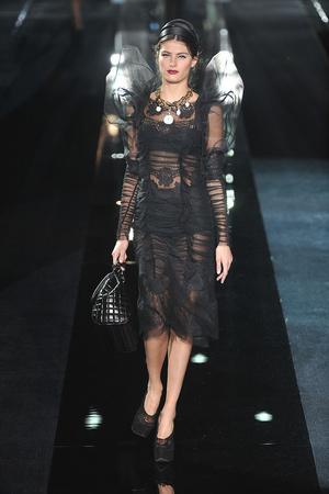 Показ Dolce & Gabbana коллекции сезона Осень-зима 2009-2010 года Prêt-à-porter - www.elle.ru - Подиум - фото 95084