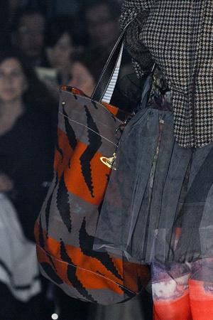 Показ Vivienne Westwood коллекции сезона Осень-зима 2012-2013 года Prêt-à-porter - www.elle.ru - Подиум - фото 380325