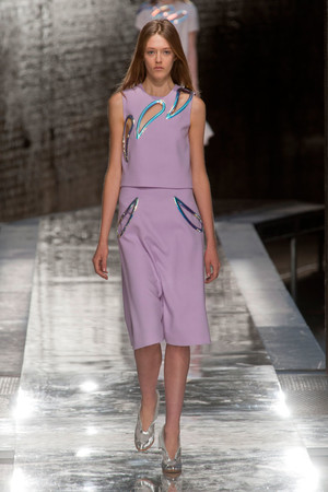 Показы мод Christopher Kane Весна-лето 2014 | Подиум на ELLE - Подиум - фото 3650