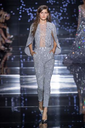 Показ Zuhair Murad коллекции сезона Осень-зима 2015-2016 года Haute couture - www.elle.ru - Подиум - фото 597313
