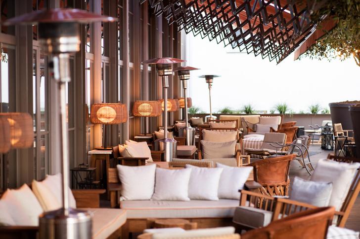 Отель Brach по проекту Филиппа Старка готовит к открытию террасу (фото 1)
