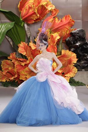 Показ Christian Dior коллекции сезона Осень-зима 2010-2011 года haute couture - www.elle.ru - Подиум - фото 167441
