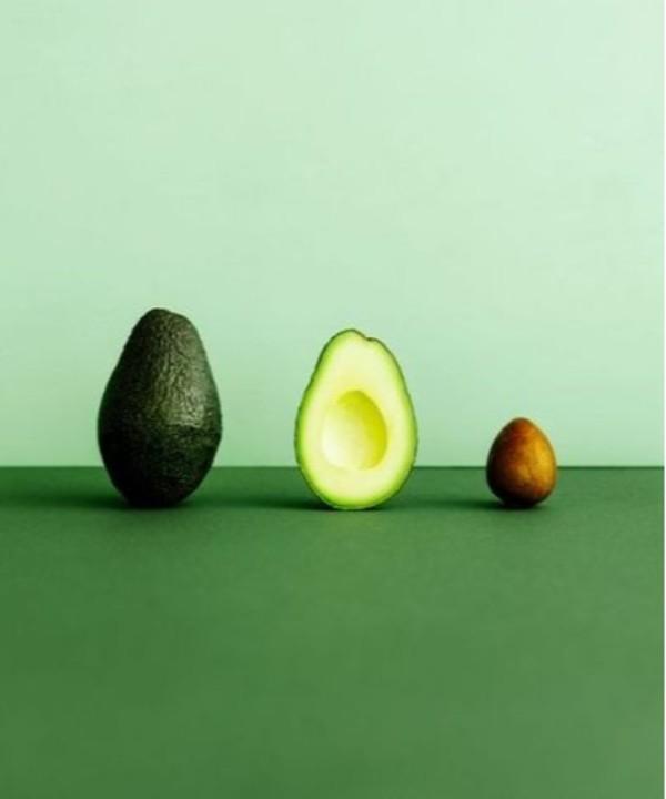 Авокадо и маракуйя: что покупать на рынке в самом конце зимы (и что из этого готовить)