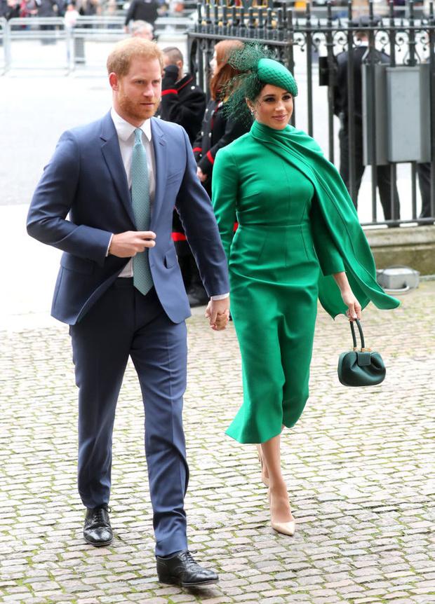 Искусство намеков: какое «послание» скрывает зеленое платье Меган Маркл (фото 1)