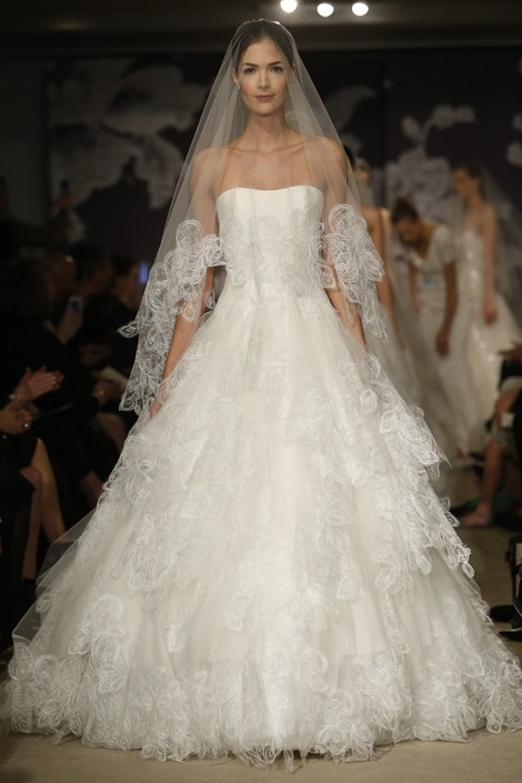 Carolina Herrera представила новую коллекцию на Неделе свадебной моды