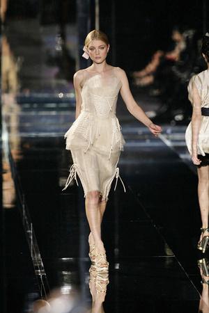 Показ Dolce & Gabbana коллекции сезона Весна-лето 2009 года Prêt-à-porter - www.elle.ru - Подиум - фото 81492