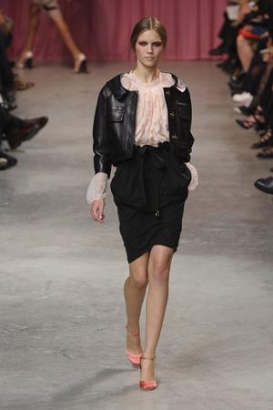 Показы мод Nina Ricci Весна-лето 2011 | Подиум на ELLE - Подиум - фото 2512