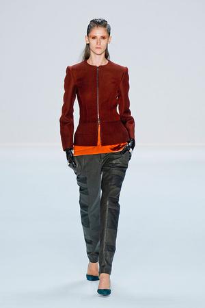 Показы мод Narciso Rodriguez Осень-зима 2012-2013 | Подиум на ELLE - Подиум - фото 1636