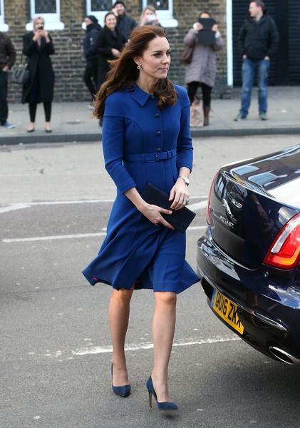Гардероб Кейт Миддлтон обходится королевской семье в сотни тысячи долларов | галерея [1] фото [16]