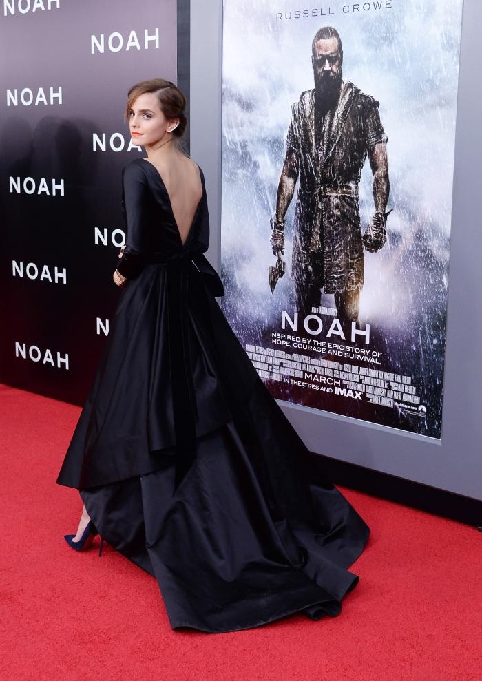 Черное вечернее платье с открытой спиной от Oscar de la Renta