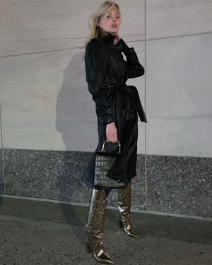 Главная покупка 2020 года: кожаный плащ как у Эльзы Хоск (фото 1.2)