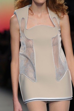Показ Julien Fournie коллекции сезона Весна-лето 2012 года Haute couture - www.elle.ru - Подиум - фото 331873