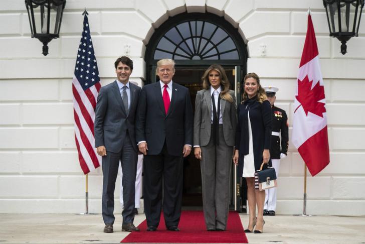 Образ дня: Мелания Трамп в Ralph Lauren фото [9]