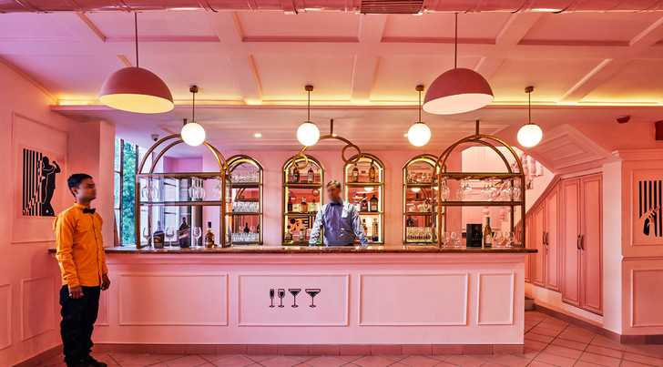 The Pink Zebra: ресторан в эстетике Уэса Андерсона (фото 0)