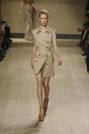 Показы мод Celine Весна-лето 2010 | Подиум на ELLE - Подиум - фото 2924