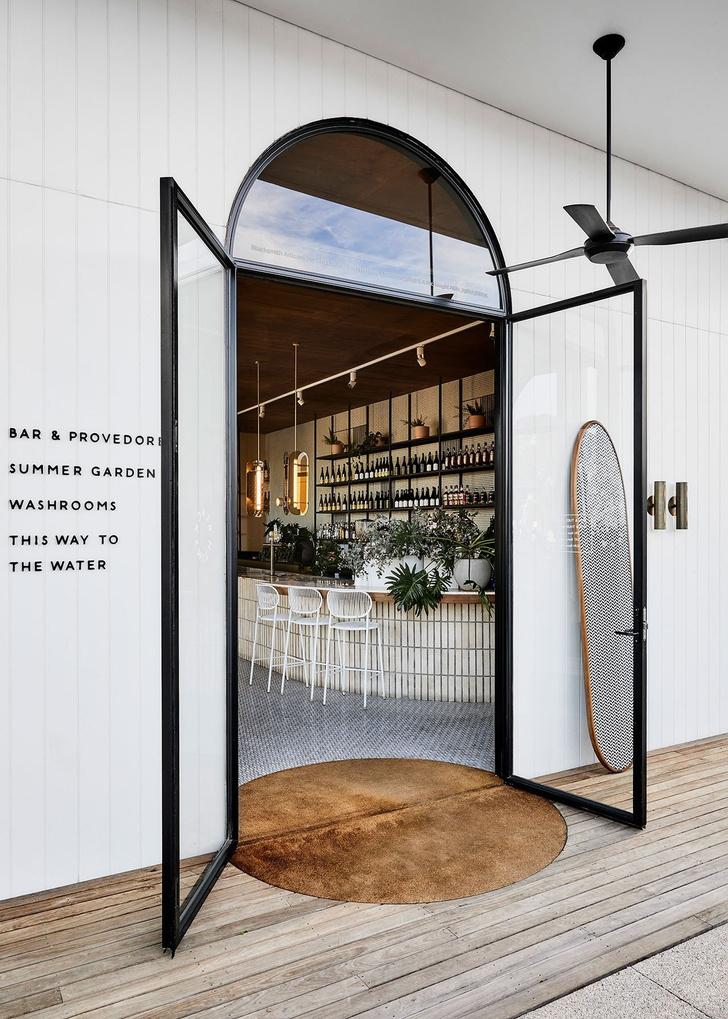 Mid-century glamour: пляжное кафе в Австралии (фото 2)