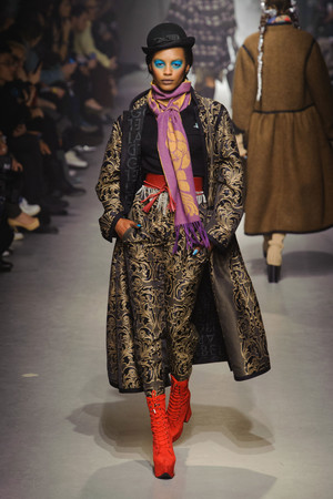 Показы мод Vivienne Westwood Осень-зима 2013-2014 | Подиум на ELLE - Подиум - фото 619
