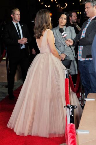 Натали Портман в Christian Dior на кинофестивале (фото 3.2)