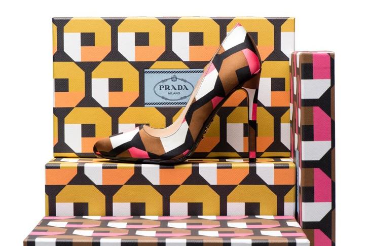 В бутиках Prada можно стартует акция по созданию туфель на заказ