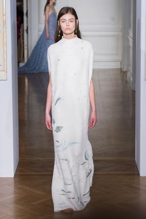 Показ Valentino коллекции сезона Весна-лето  2017 года Haute couture - www.elle.ru - Подиум - фото 616691