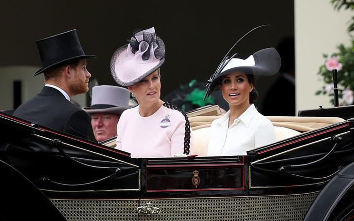 Прощай, королева: лучшие выходы Меган Маркл в качестве члена монаршей семьи (фото 5)