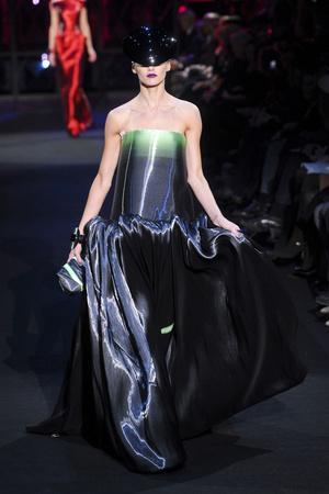 Показ Giorgio Armani Privé коллекции сезона Весна-лето 2011 года Haute couture - www.elle.ru - Подиум - фото 214978