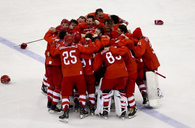 Российские хоккеисты исполнили гимн страны, и вот что из этого вышло (фото 1)