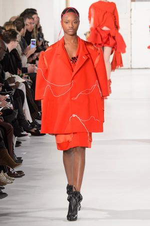 Показ Maison Margiela коллекции сезона Весна-лето  2017 года Haute couture - www.elle.ru - Подиум - фото 616626