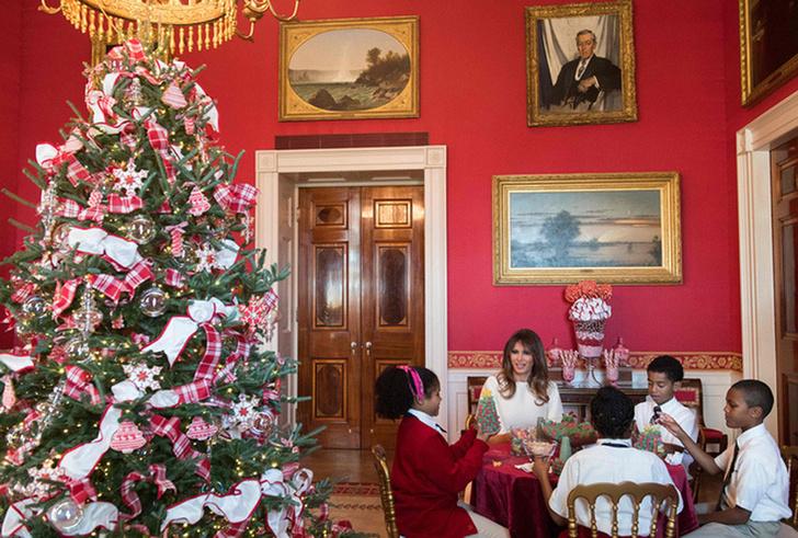Мелания Трамп украсила Белый Дом к Рождеству фото [6]