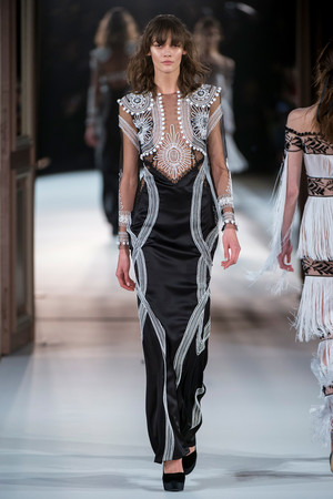 Показ Yanina Couture коллекции сезона Весна-лето  2017 года Haute couture - www.elle.ru - Подиум - фото 616425