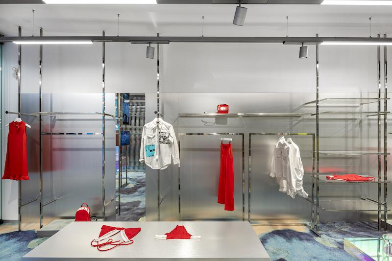 Футуристичный бутик модной одежды в Вильнюсе (галерея 9, фото 4)